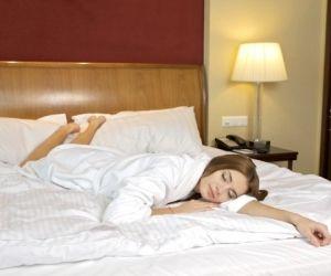 gesunder schlaf ein leben lang die richtige matratze. Black Bedroom Furniture Sets. Home Design Ideas
