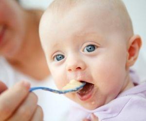 Von der Milch zum Müsli: Babys Speiseplan im ersten Jahr