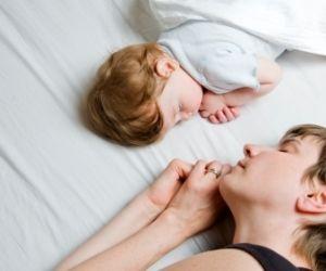 darf das baby mit ins elternbett co sleeping wunschfee. Black Bedroom Furniture Sets. Home Design Ideas