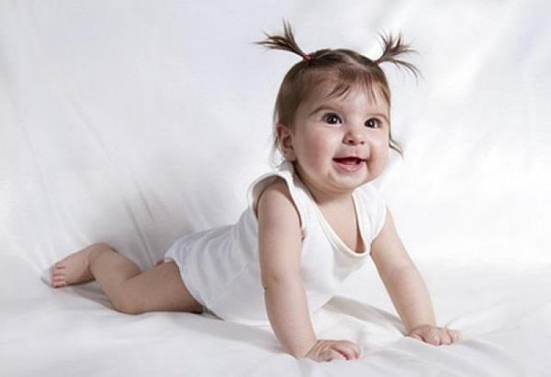 ab wann krabbeln babys weihnachtsdeko ab wann anfangen sekondi com babyentwicklung die. Black Bedroom Furniture Sets. Home Design Ideas