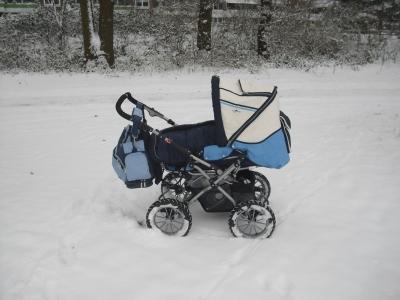 kinderwagen im schnee - wunschfee
