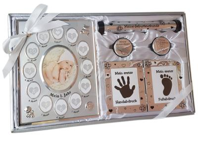 Das Geschenkset Erinnerungsbox an Taufe und Babyzeit bestellen