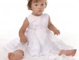 Weiße Taufkleider - schön, elegant, edel