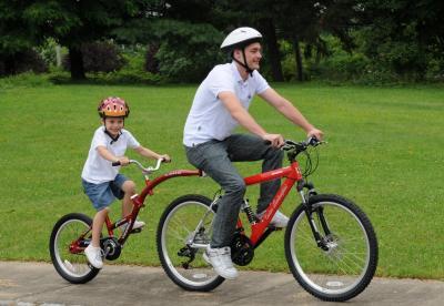 Das Trailerbike WeeRide Kids Co Pilot Tagalong bestellen